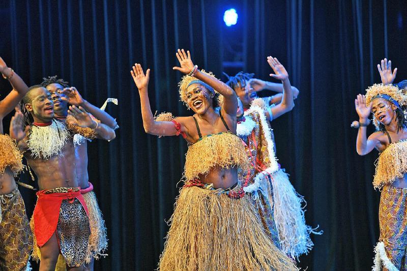 非洲传统服饰矢量