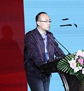 中化石油期货部总经理助理梁毅