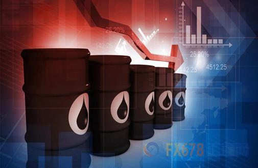 知名金融博客零对冲表示,市场预期原油库存和库欣库存录得增加,但数据显示这两项库存均意外录得下降,且精炼油库存降幅超预期;道明证券全球大宗商品策略主管Bart Melek表示,虽然沙特对美原油进口减少,且近期页岩油产量低于平均水平,库存下滑的速度并没有市场所预期那样快;数据公布后美油短线快速走高。