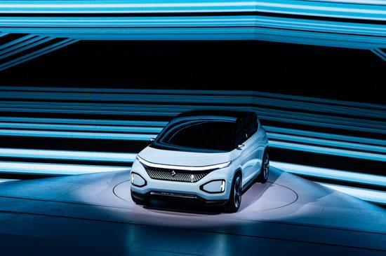 新宝骏品牌正式发布 首款SUV RS-5售价9.68万元起