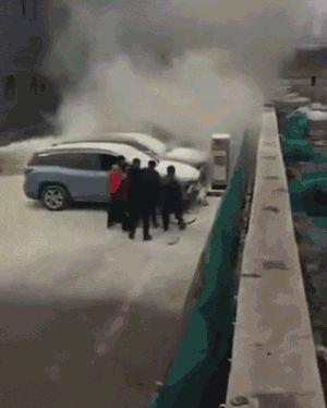 特斯拉爆炸、蔚来起火!电动汽车到底能不能买?