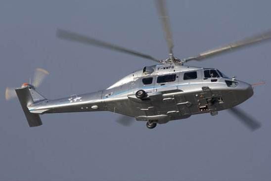 """其次,虽然直-15载荷较大,但是该机采用的是高尾翼低底板设计,由于尾翼过高,因此对于机库的高度有特殊要求,不符合一般军用直升机俄要求。而且该机使用的加拿大普惠公司的PT6C-67E型发动机,根据相关法律规定,该发动机仅能用于民用直升机的生产建造,禁止用于军用直升机,若是一旦被发现,加拿大普惠公司会立即取消对华产品供应,这样直-15随即将陷入""""心脏病""""的尴尬之中。而为EC-175研制一款新式发动机,也将附带大量成本,而且还需要花费大量的时间,显然得不偿失。"""