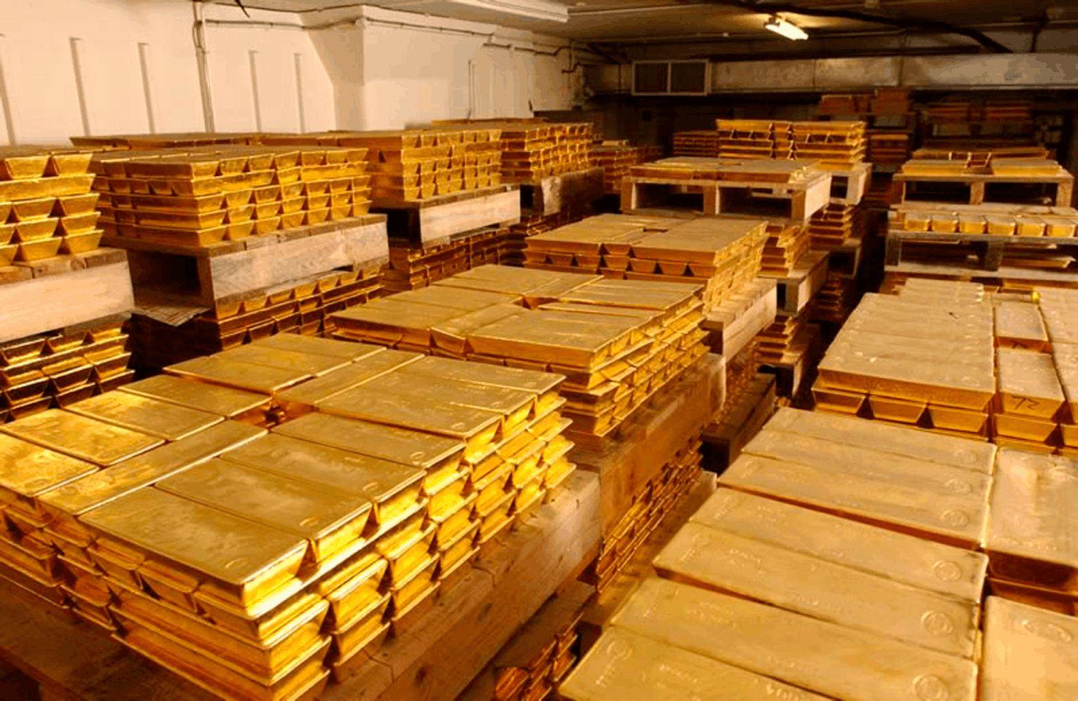 其实对于中国黄金贮备量,其背后的实在数。据不息都是未知的,据公开新闻表现,中国是世界上最大的黄金生产国,2018年产量达400吨,中国生产的黄金并未出口,因此,能够倘若通盘产量都被国内吸取,尽管这不在官方贮备数。据中,再添上中国积累的大量历史贮备,其持有的黄金总量能够超过30000吨,相比之下,美国官方黄金持有量为8100吨。