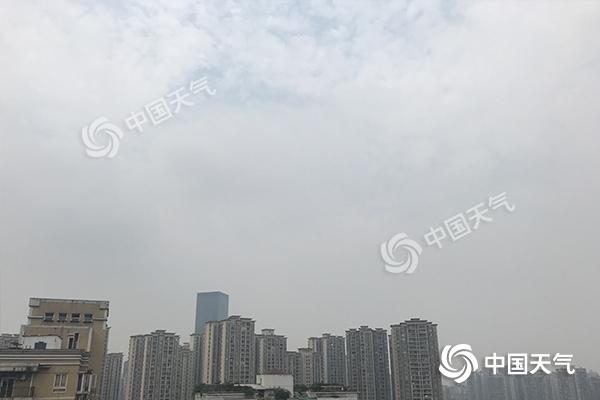 重庆今日冲35℃高温 明日雨水来袭局地大到暴雨