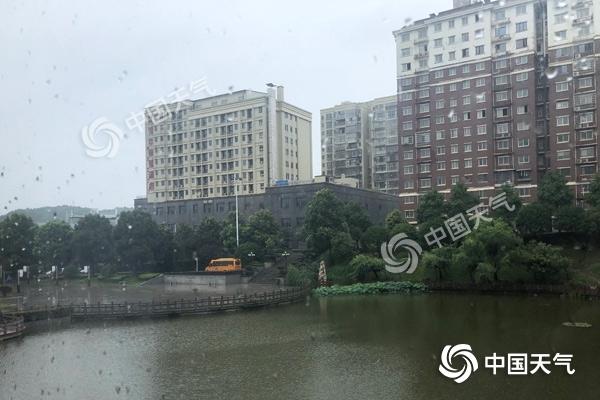 """湖南遭遇强降雨""""车轮战"""" 今天永州郴州局地大到暴雨"""