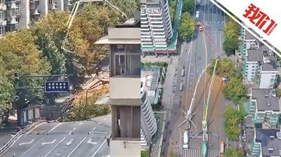杭州路面塌陷燃气泄漏目击者称地面一点点塌成大洞