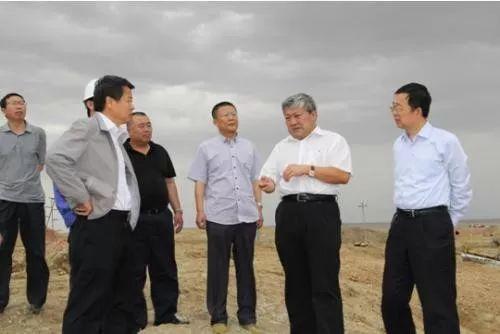 戴连荣湖区视察工作