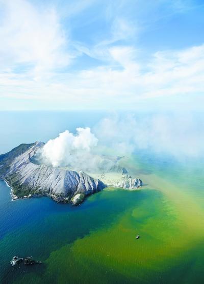新西兰火山喷发