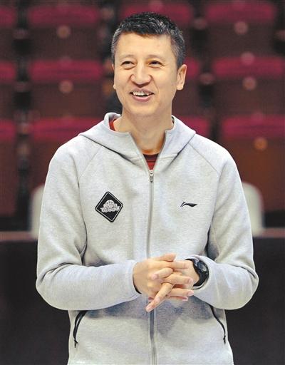 希望辽宁人 爱篮球 也爱冰雪运动