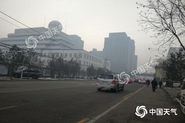 内蒙古雪少风小空气质量差 明日大风来驱霾