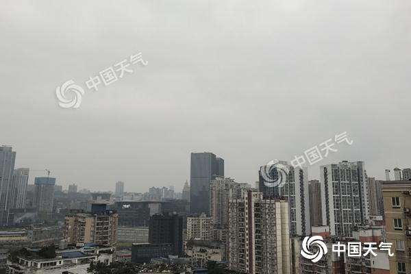 今明两天重庆阴雨持续高山飘雪 3