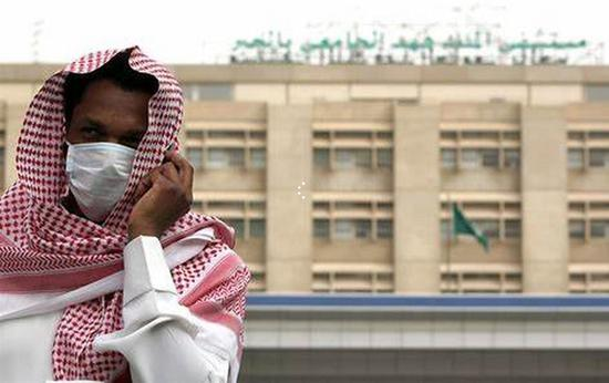 北京时间20日消息,沙特国有通讯社援引内政部消息称,沙特将于周五下令暂停所有国内航空、公共汽车、出租车和列车运行,从周六开始生效,为期14天。