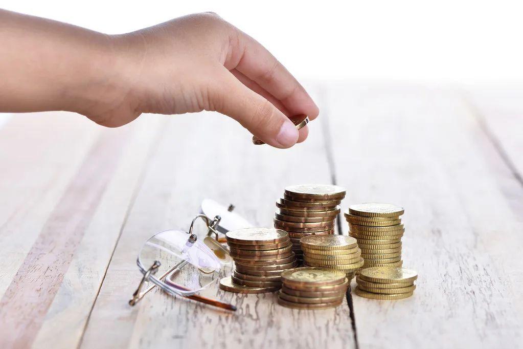 基金定投能够跑赢通货膨胀吗?它有什么优势呢?操作简不简单呢?