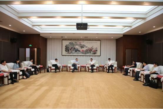 茅台集团与九州现金手机版app下载机场集团座谈