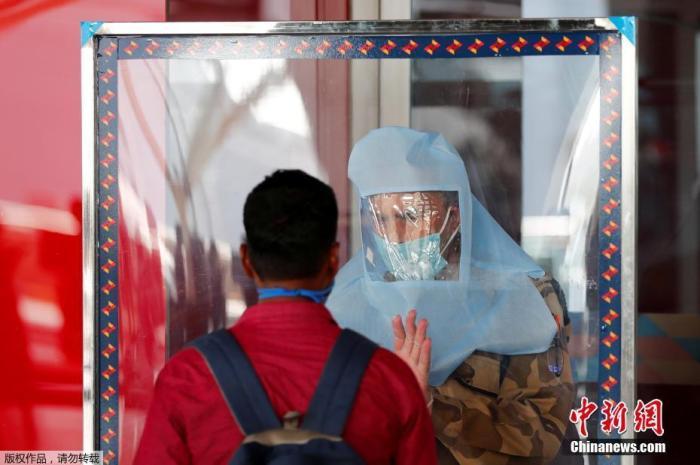 印度新增近2.5万例确诊病例 系疫情以来最高纪录