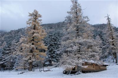 《在雪山和雪山之间》 光阴过客,在山间逆旅