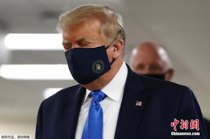 """特朗普回应""""淡化疫情""""质疑:为了减少恐慌"""