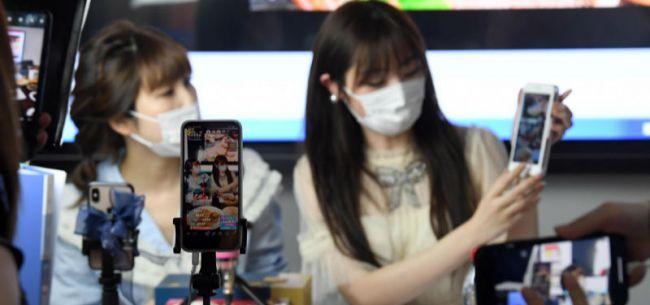 香港两大美妆零售企业莎莎、卓悦,也开始直播带货了