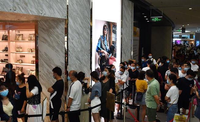 """外媒热议中国""""十一""""黄金周:数亿人流动的背后是""""中国自信""""!"""