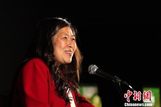 加拿大华人内阁部长伍凤仪自我隔离并接受新冠病毒检测