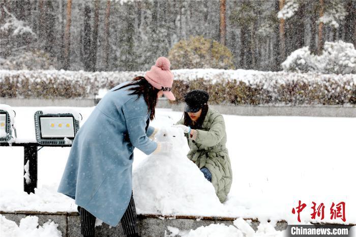"""""""中国北极""""漠河发布暴雪预警 降雪量已达入秋最大级别"""