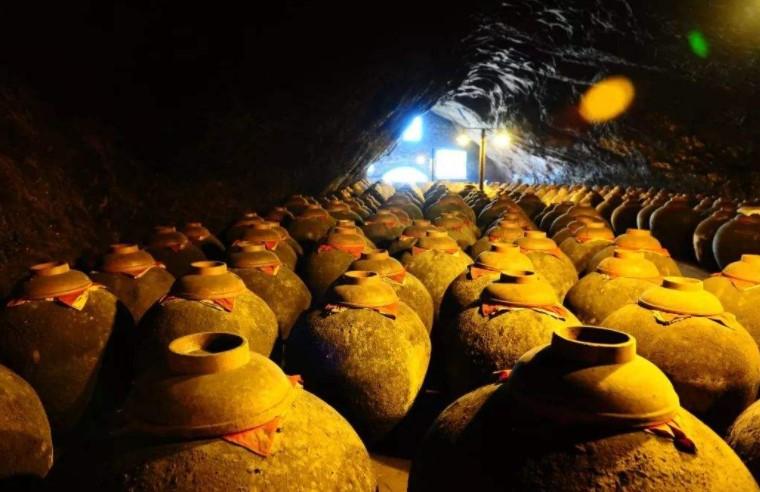 汪俊林揭幕郎酒吴家沟酿造区:百亿起点上,向千亿起航