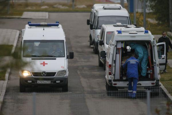 连续几天等不到救护车 美媒:俄疫情反弹致急救人员难自保