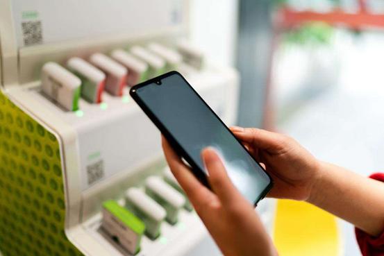 揭秘共享充电宝:两种方式植入病毒网售同款不足20元|观潮