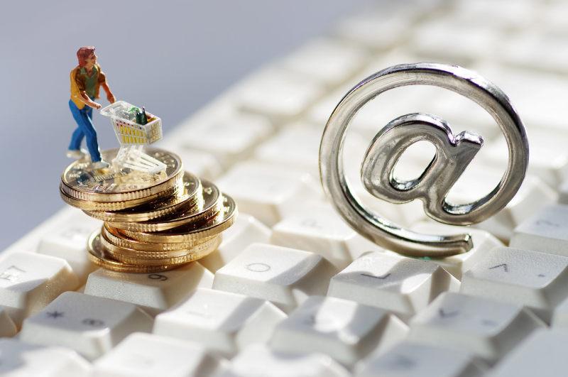 《互联网保险业务监管办法》:明确特许经营 鼓励开发符合互联网经济特点的产品