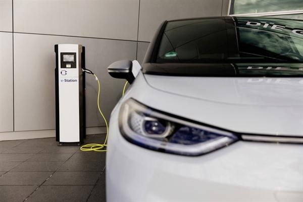 usdt回收(caibao.it):盖过特斯拉!民众周全发力电动车 明年首建300kW充电桩 第1张