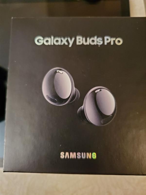 电银付(dianyinzhifu.com):三星Galaxy Buds Pro还未公布就遭出售!开箱实拍图曝光 第3张