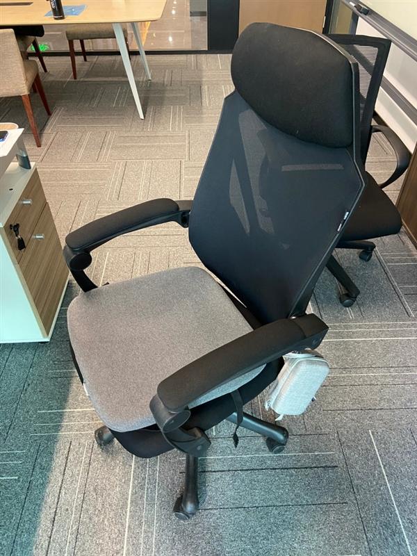 电银付小盟主(www.dianyinzhifu.com):杭州一公司发现高科技坐垫 可知员工在不在工位 回应:《并非监视》 第2张