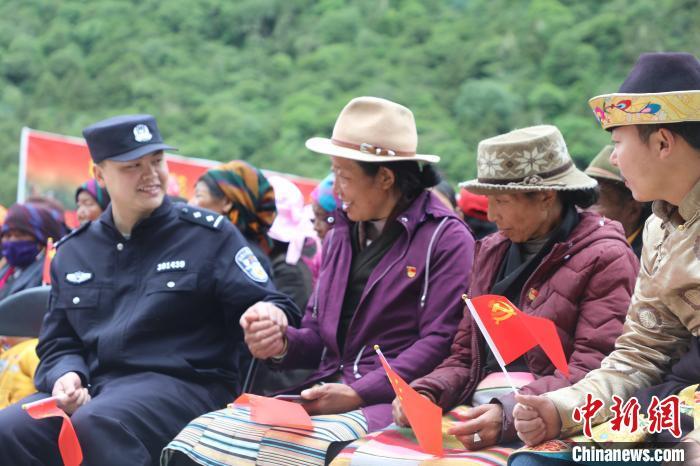 """西藏玉麦:""""第二故乡""""过新年"""