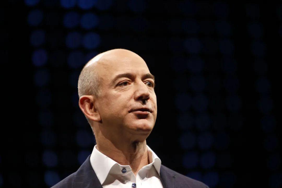 """贝索斯将卸任亚马逊CEO:云计算干将""""接棒"""",发力高科技业务"""
