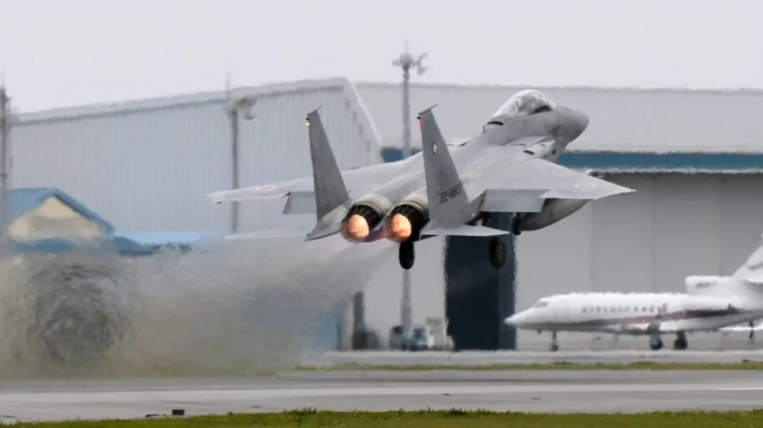 对中国军机,日本真扛不住了……