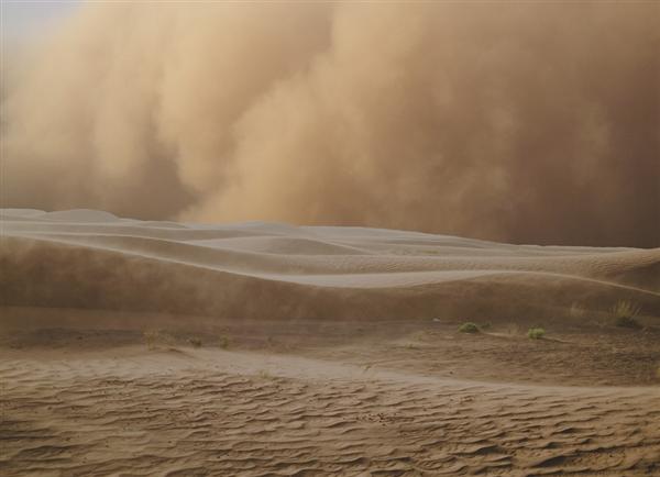 沙尘天气14日起再袭西北华北 局地或有沙尘暴:出门做好防护