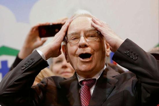 """巴菲特""""打败""""纳斯达克:股价超43万美元系统招架不住了"""