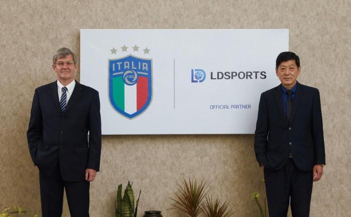 笑动体育高层与意大利足协相干担当人会面协同助力欧洲杯获得完备获胜