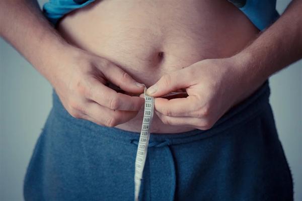 科学家发现为什么有些人吃的很多却不胖:发生了罕见的基因突变