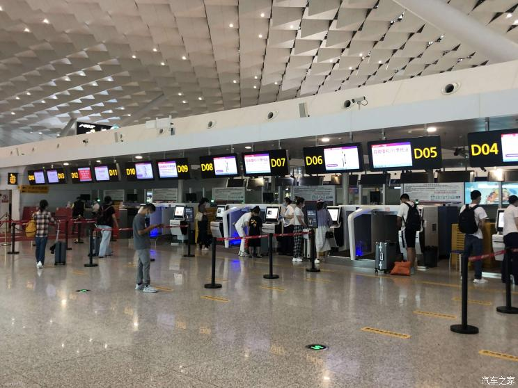 郑州机场取消/延误航班超200架次!
