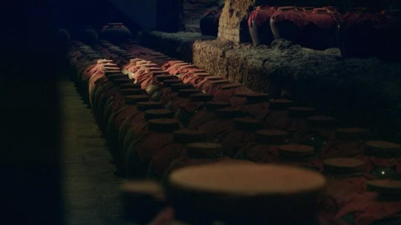 """皖酒4宗隐患压顶,<a href='/' target='_blank'>古井贡酒</a>(<a href='/' target='_blank'>000596</a>)能率先揽200亿营收成为""""全安徽白酒的希望""""吗?"""